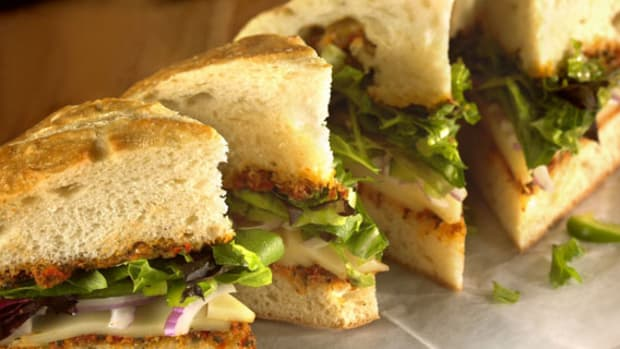 Vegetarian Sandwich with Sun-Dried Tomato Spread