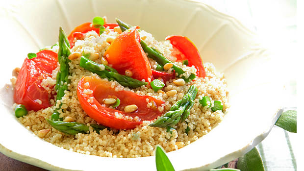 couscous salad with baked tomatoes and asparagus