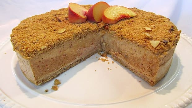 Frozen Peach and Toasted Almond Torte