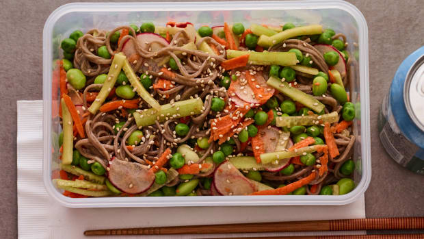 Veggie noodle salad lunch