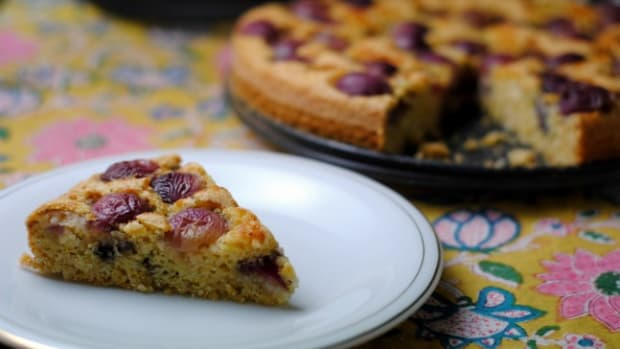 Red Grape Cake