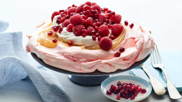 pomegranate pavlova