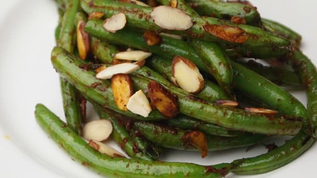 Pan Charred Green Beans with Harissa