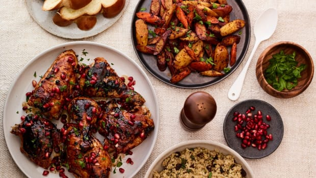 Shabbat in an hour menu with pomegrante chicken