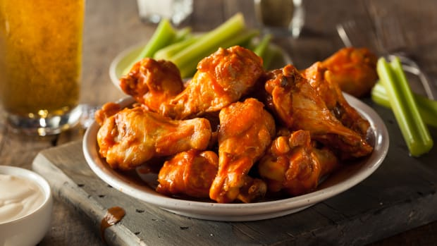 bigstock-Spicy-Homemade-Buffalo-Wings-99285617