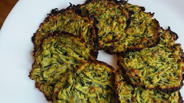 BAKED ZUCCHINI FRITTERS