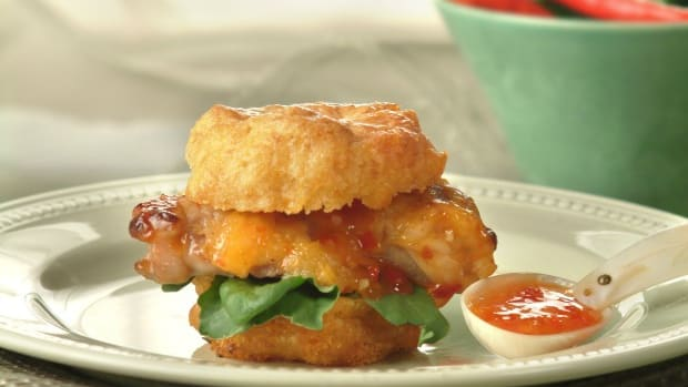 wide chicken cornmuffin sliders