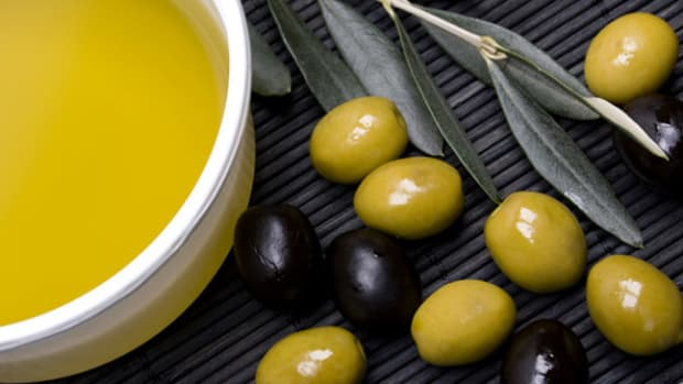Kosher Ingredient of the Month- Olive Oil – The 1 Ingredient for a Perfect Passover