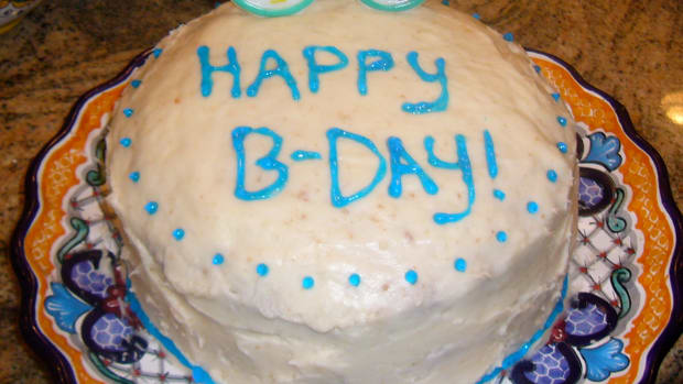 White Birthday Cake with Buttercream Frosting