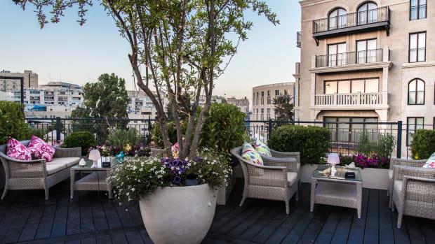 Waldorf Garden Terrace