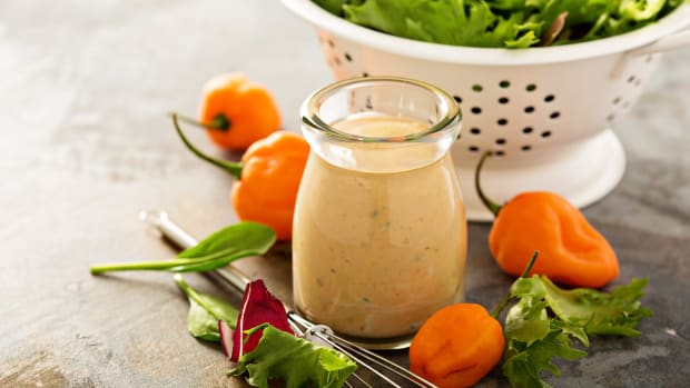Creamy mexican salad dressing