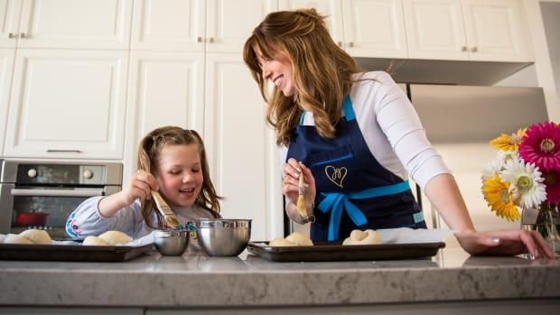 Jamie Geller Baking with Noa Geller 2