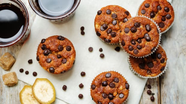 Banana Chocolate Chip Whole Grain Muffins