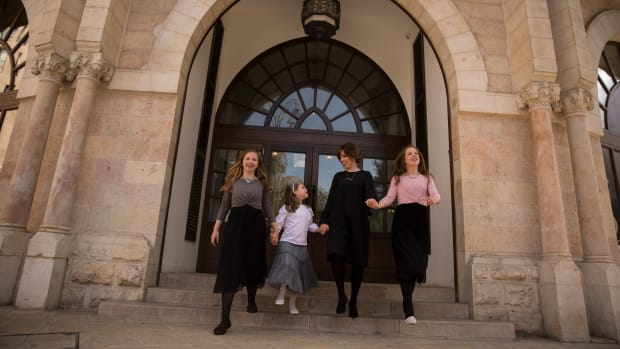 jamie and family at Waldorf Astoria Jerusalem