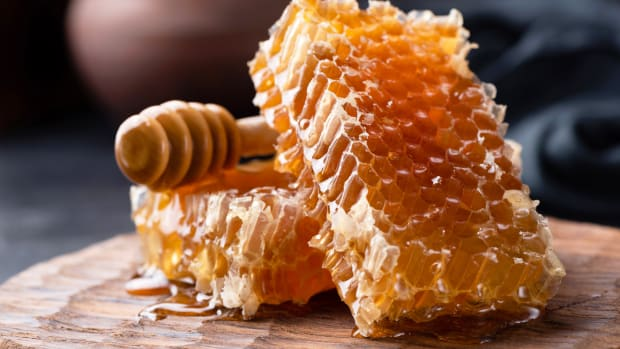 Honey comb drizzle