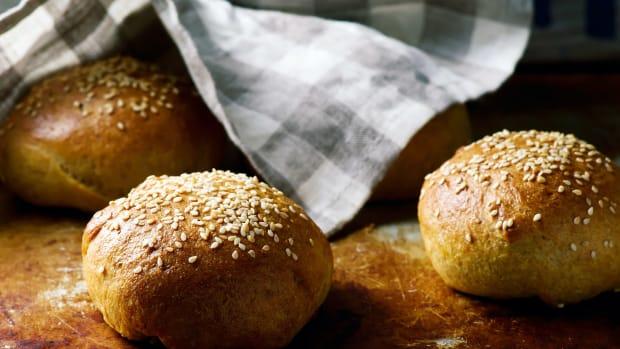 Healthy burger buns:dinner rolls