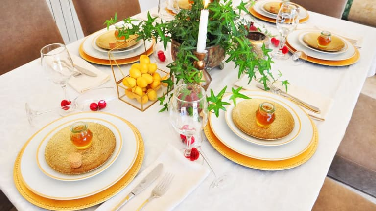 How To Set and Decorate Your Rosh Hashanah Table