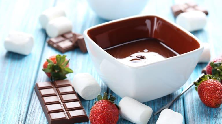 How Do You Fondue? Chocolate Fondue and More