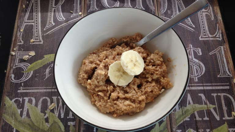 3 Healthy DIY Oatmeal Packets To Jumpstart Your Day