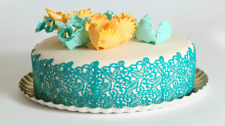 DIY Elegant Sugar Lace Cake Trim, With Tips From a Pro