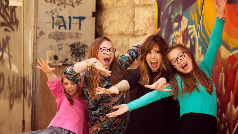 What To Do In Israel: Family Photo Shoot