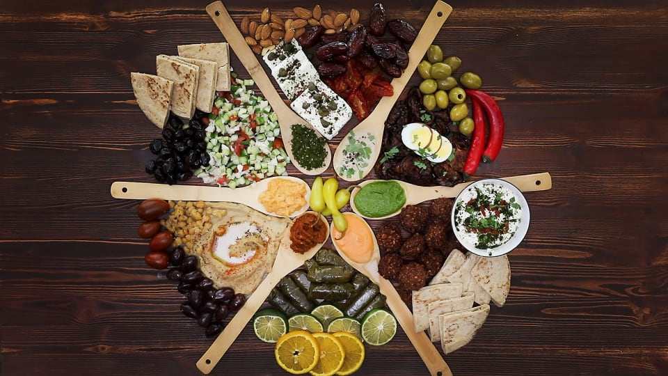How To Make And Serve an Israeli Platter