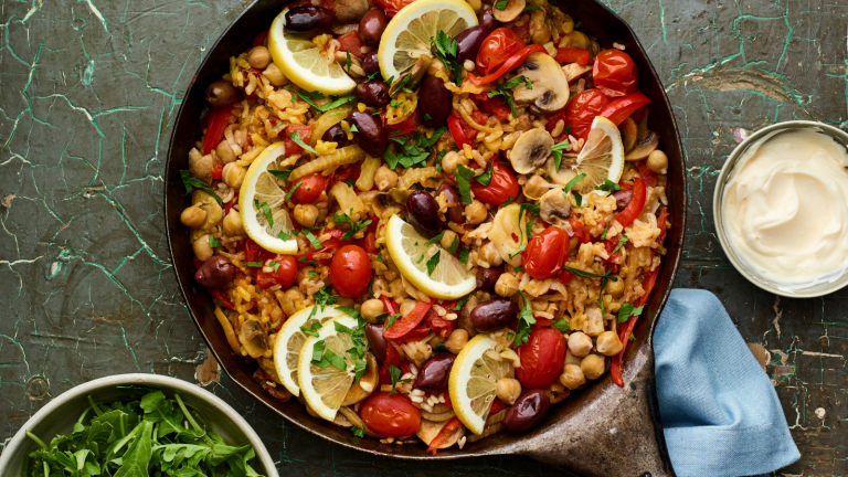 What Is Paella and How To Make It Vegetarian