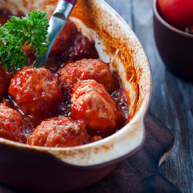 sweet and sour meatballs horizontal