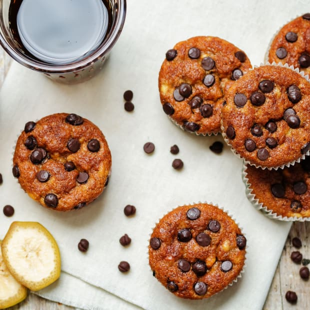 Banana Chocolate Chip Whole Grain Muffins