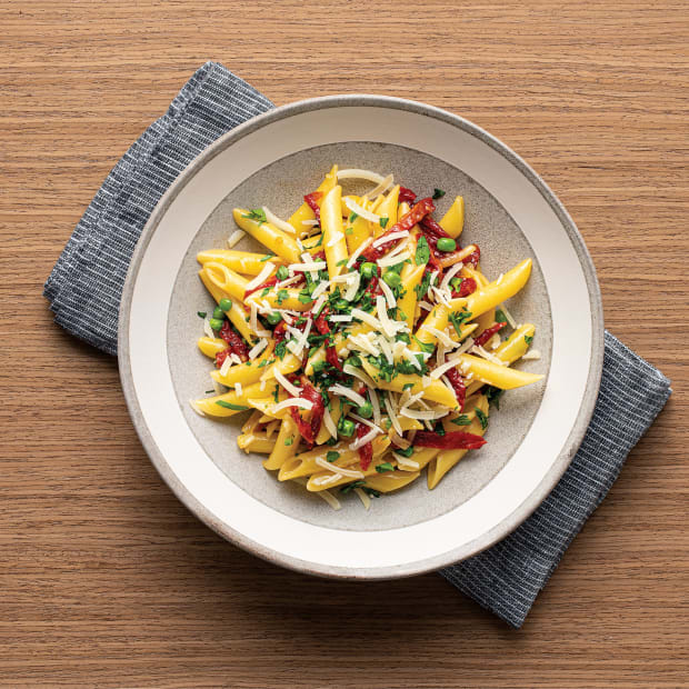 """PENNE """"CARBONARA"""" WITH SWEETPEAS AND OVEN-DRIED TOMATOES Wide"""