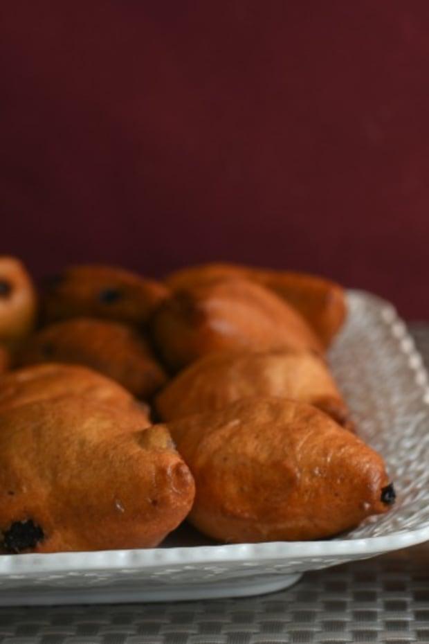 emilia romano style friend raisin cinnamon bread bites