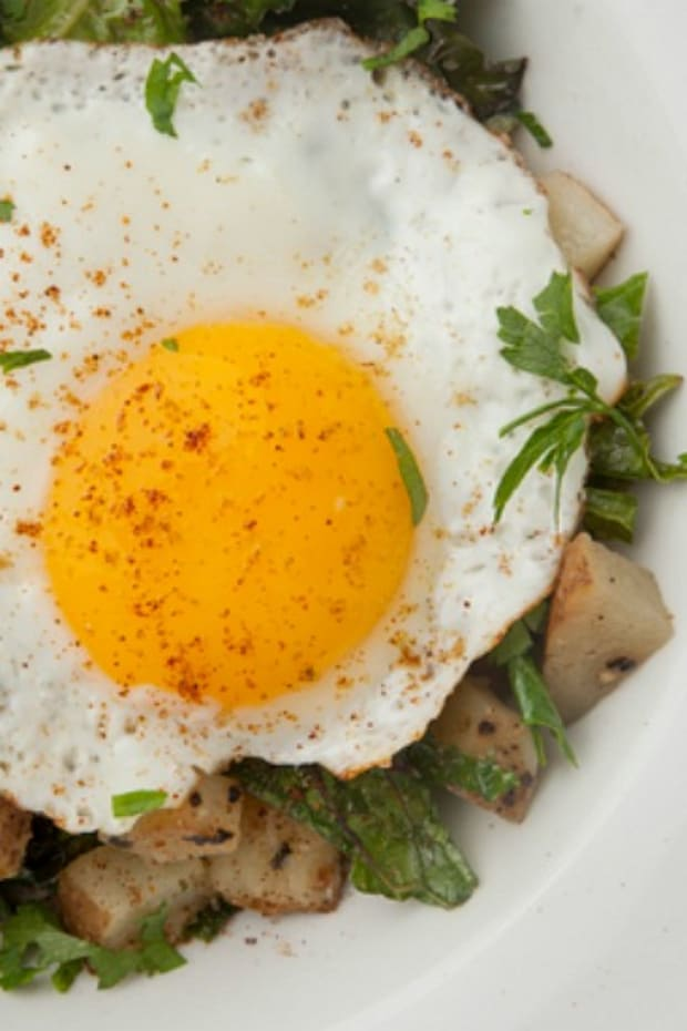 Kale Potato Hash with Fried Egg