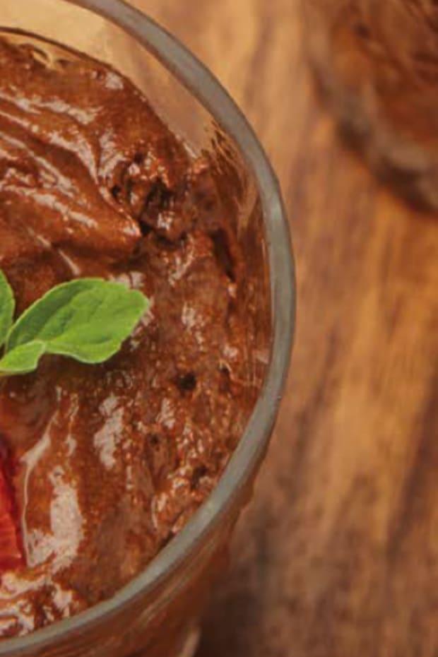 Vegan 1-Ingredient Miracle Chocolate Mousse