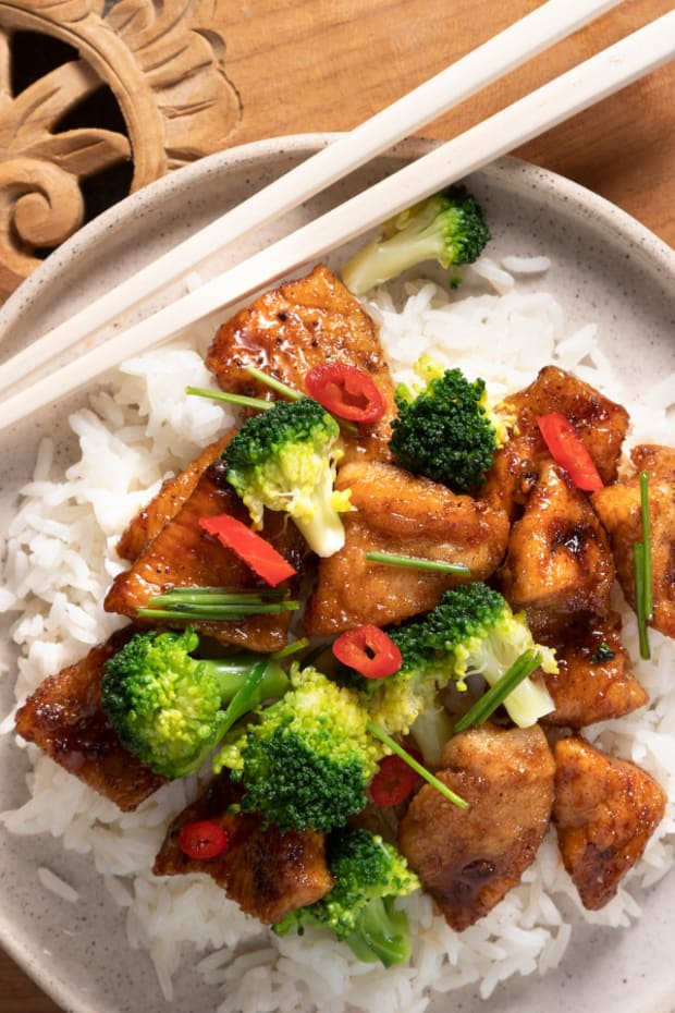 General Tso Chicken Dinner