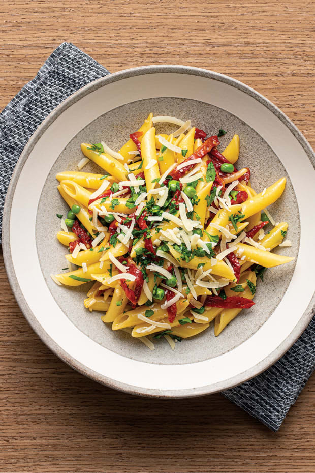 "PENNE ""CARBONARA"" WITH SWEETPEAS AND OVEN-DRIED TOMATOES Wide"