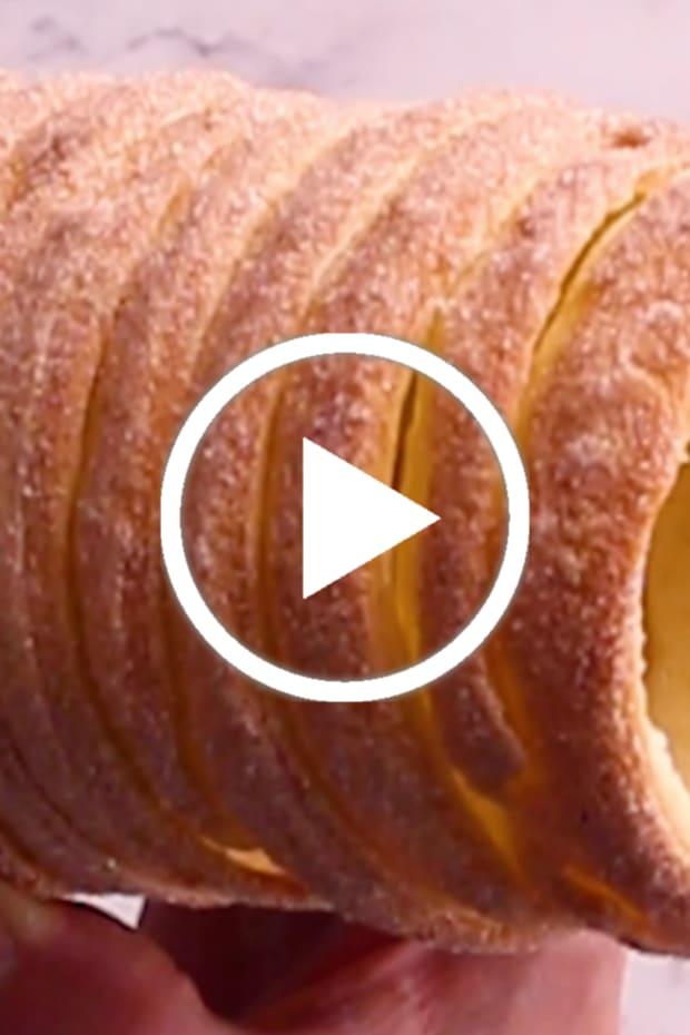 Chimney cake video