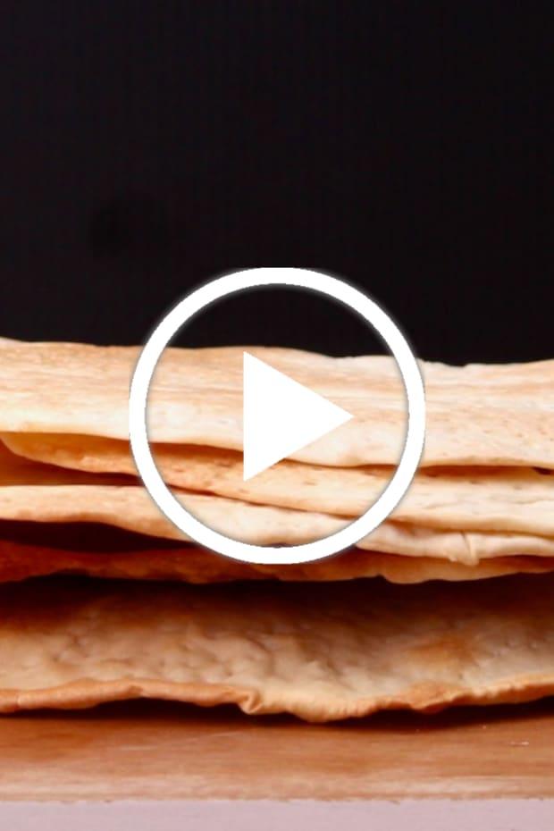 homemade-matzo-featured