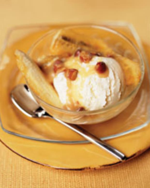Warm Banana Sundaes with Almond Dulce De Leche Sauce