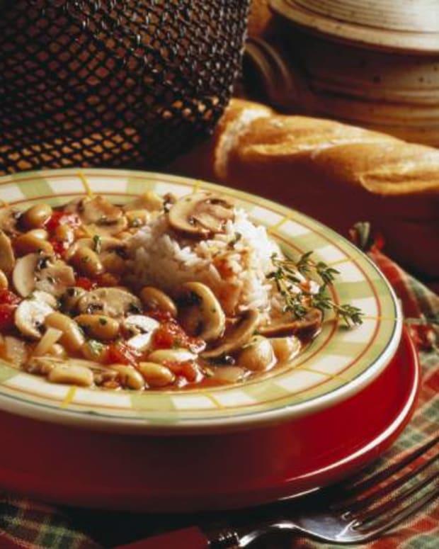 Quick Mushroom and White Bean Stew