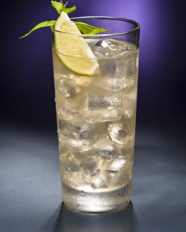Bourbon and ginger Beer cocktail