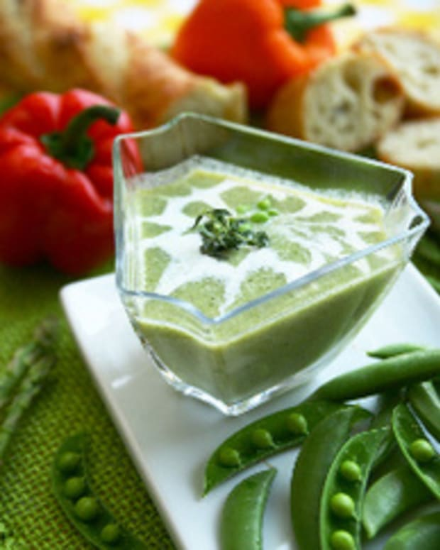 Sweet Pea Soup with Minted Creme Fraiche