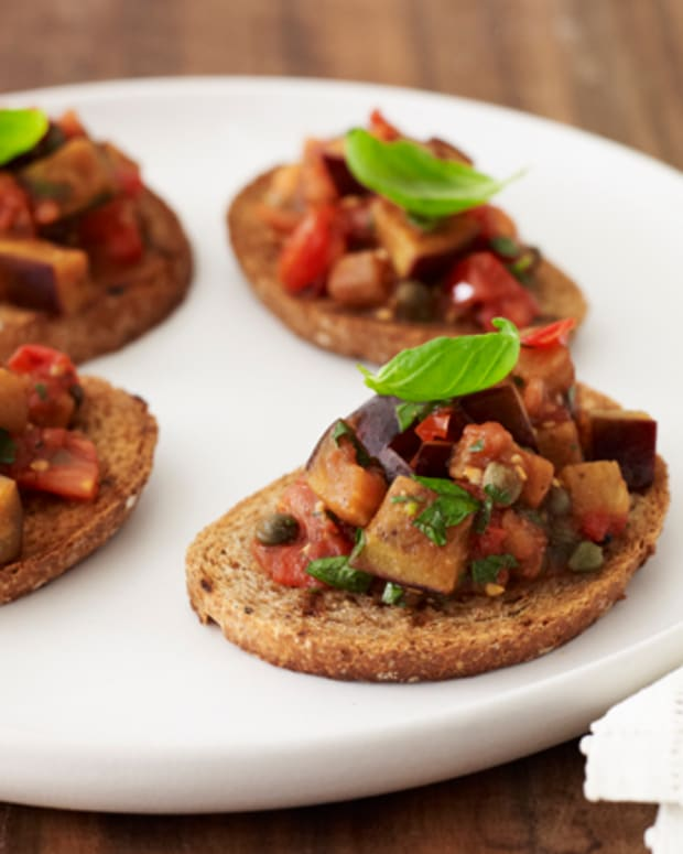 eggplant-crostini