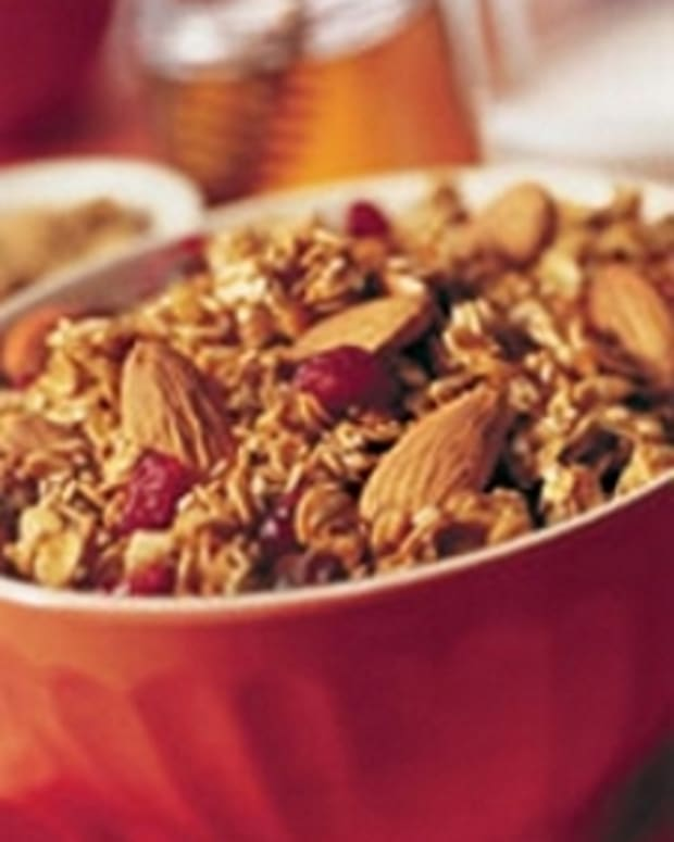 California Almond Granola with Golden Raisins