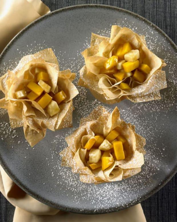 Mango Banana Phyllo Nests