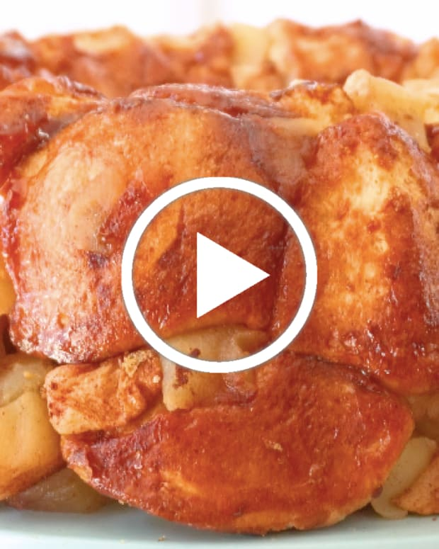 Apple Cinnamon Challah Monkey Bread
