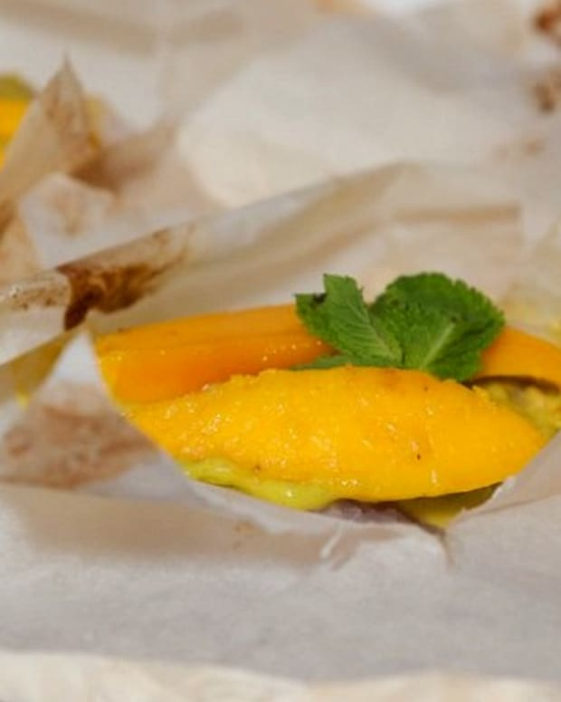Snapper Pockets with Mango-Cilantro Mojo