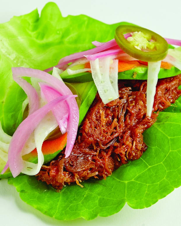 Pulled Beef Lettuce Wide