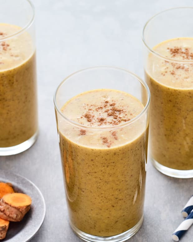 Turmeric, Almond Milk, and Date Smoothie