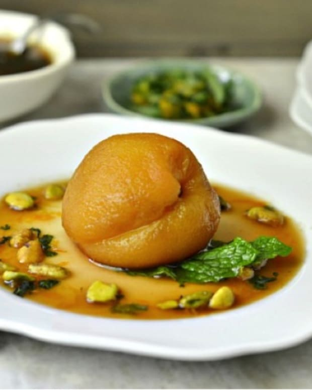 Green Tea Poached Peaches