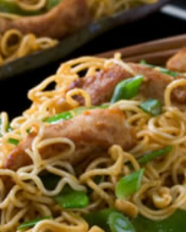 Chicken and Peanuts with Noodles